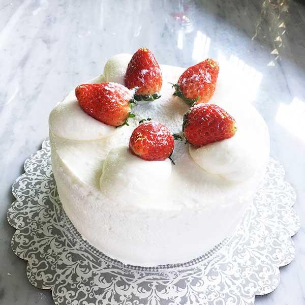 เค้กวันเกิด สตอเบอร์รี่ช็อตเค้ก 2 สินค้า 1